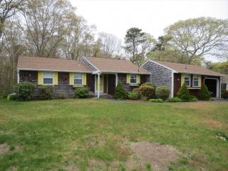 GREAT HARBORS, 3 BEDROOM RANCH, CLUBHOUSE W/POOL 126244, Falmouth