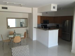 Coral Gables,luxury 2br apartment,luxury furnished