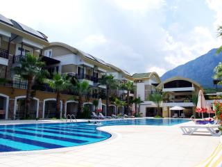 Cozy flat for big family, 100 m to the sea, Kemer