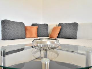 Deluxe one bedroom with terace, Slatine
