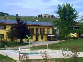 The Green Guesthouse Langhe Barolo Apartment Villa