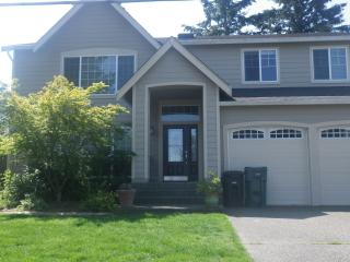 Newer Contemporary Home two miles from US Open, University Place