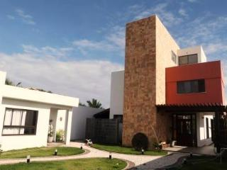 Superb House - Beach, Pool and Forest !!, Salvador
