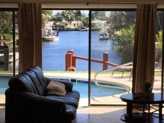Waterfront Home- deep water with boat dock, Fort Lauderdale