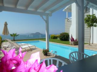 Dream house with great sea view and private pool, Kadikale
