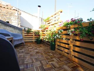 F18 | FK Perfect location and 2 terraces cosy flat, Catane
