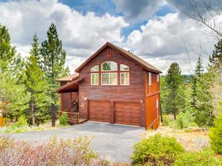 Amazing home w/ rec center & Donner Lake amenities, Truckee