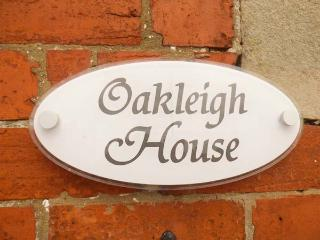 OAKLEIGH HOUSE, attractive cottage, near walks, attractions and amenities, two bathrooms, Nawton, Ref. 924570