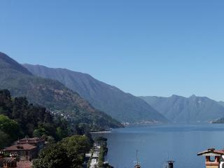 Studio with balcony and lake view!, Bellagio