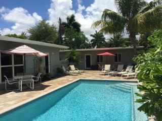 6BR/4BA Private Villa with Heated Pool Near Beach, Fort Lauderdale