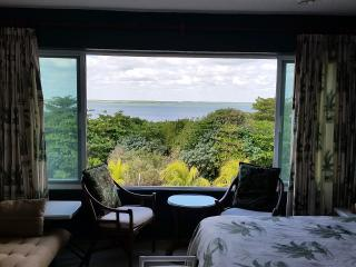 Cozy Suite in the Hotel Zone, great Lagoon View, T, Cancun