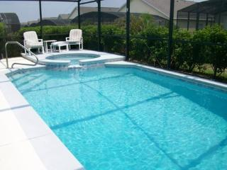 Pool Side, Clermont