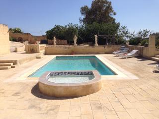 Seaview Villa with big pool, detached and private, Marsascala