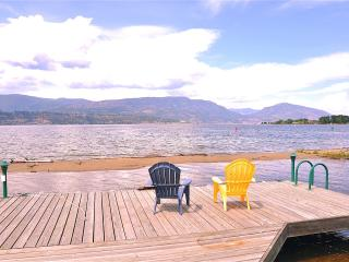 Lakefront Suite Next to Eldorado, Kelowna