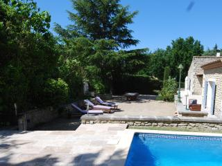 Spacious villa close to town, quiet and private., St-Rémy-de-Provence