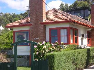 Avarest comfortable 3br house great ocean views, Lorne