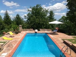 Country House with Private Swimming Pool, Penna San Giovanni