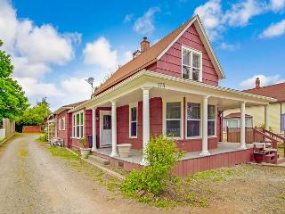 NEWLY LISTED! IN HISTORIC DOWNTOWN!, Friday Harbor
