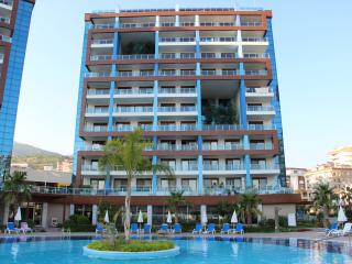 Luxury penthouse with ocean view in Crystal Park, Alanya