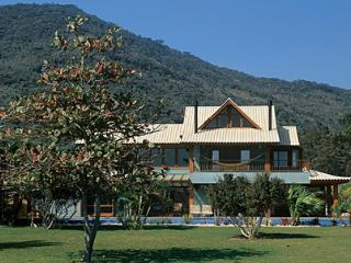 Luxury refuge surrounded by nature, Florianopolis