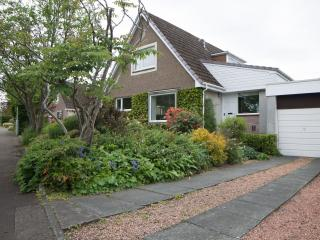 St Andrews  Bright Spacious  House Private parking, St. Andrews