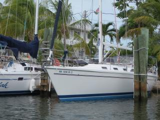 42 ft Catalina  Sailing Yacht, Tavernier