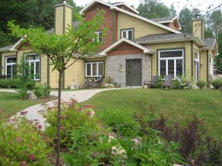 3Bd/2Bth on Golf Course, Mont Tremblant