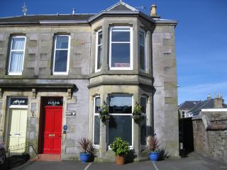 Iona Self Catering Townhouse, Perth