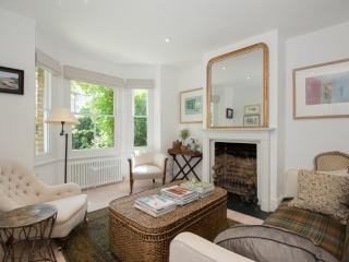 Stylish refurbished house in central Oxford