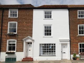 A fabulous 3 bedroom coastal holiday home, Deal