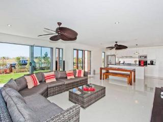 CAS330 SEASIDE BEACH HOUSE CASUARINA, Casuarina