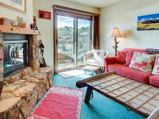 Rustic condo w/shared hot tub, close to slopes!, Crested Butte