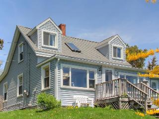 Traditional rustic Maine cottage with water on two sides!, Boothbay