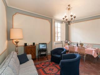 Fantastic 3 Bedroom Vacation Rental at Casa Ottolini, Lucca