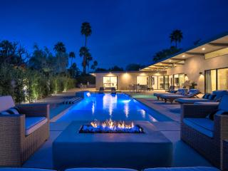 Palms at Park: There's nothing like new. 5 Bedroom 6 Bathroom Designer Home, Palm Springs