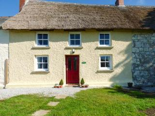 JESSICA COTTAGE, thatched cottage, Grade II listed, exposed beams, near Carnon Downs, Ref 917147