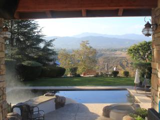 Home with a VIEW, Thousand Oaks
