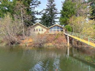 Boat access only - secluded getaway with tons of room!, Lakeside