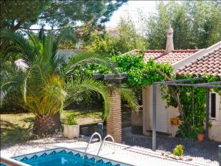 Large villa with pool, central Algarve, Quarteira