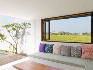 CHARMING 2 BDR VILLA  WITH POOL & RICE FIELDS VIEW, Canggu