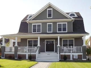 Brand New Home 5 Bdrm 4 Bath One Block to Beach 123530, Cape May