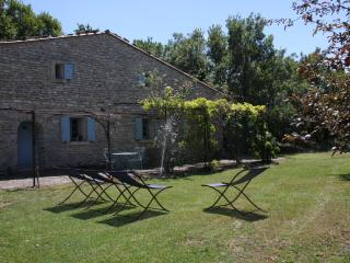 La Borie - Charmingly restored farmhouse with pool, Saignon