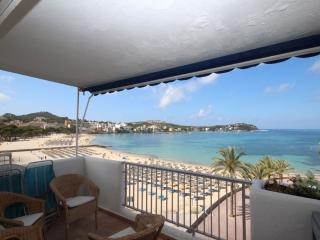 Fabulous Beachside Apartment with Stunning Views, Santa Ponsa