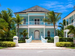 New 6Bdrm Waterfront Home w/Pool, Golf Cart in OFB, Nassau