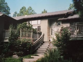 4 Bed, 2 Bath, Use of Country Club, Views, Flagstaff