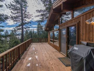 Paddon's Cabin Great Location Views of Lake Tahoe, Tahoe Vista