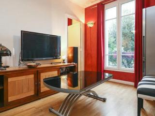 Chic flat near central Paris w WiFi, Vanves