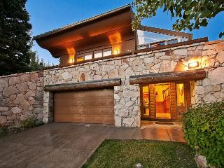 Upper Deer Valley Ski Home with Walking Distance to Success Ski Run, Park City