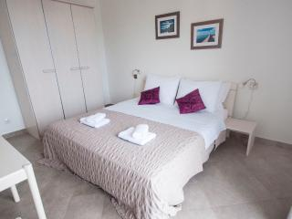 Lovely double room with pool, Mlini