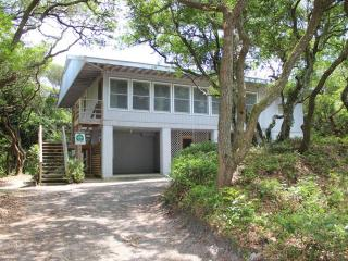 Lott Beach House - Oceanfront, Pawleys Island